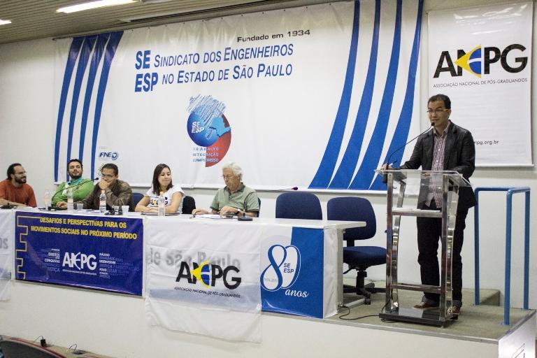 Diretores da ANPG e põs-graduandos repercutem o que foi dito durante o debate. Foto: Natasha Ramos/ANPG