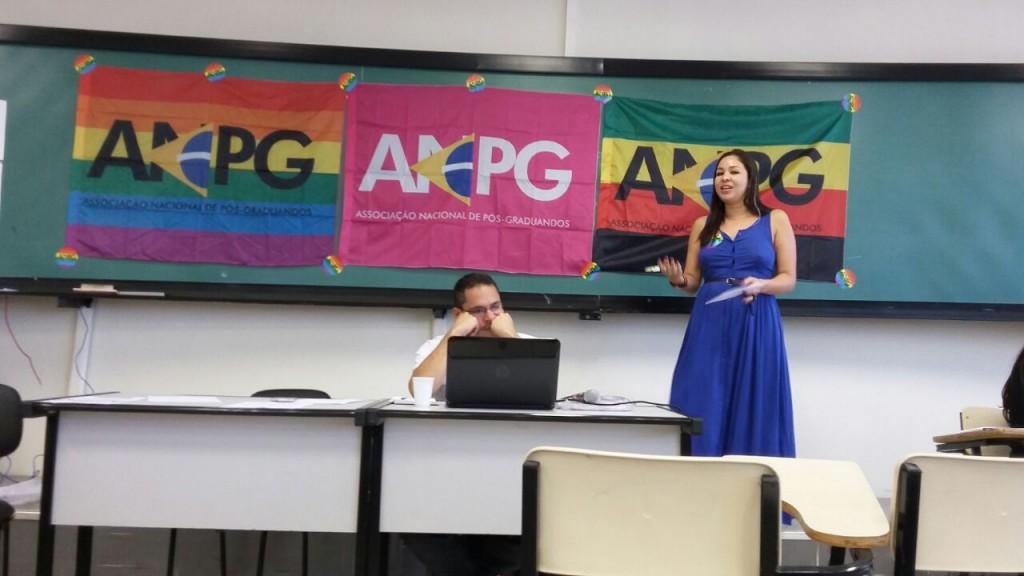 """""""É preciso combater a crise para a pós-graduação continuar crescendo"""", diz Tamara Naiz"""